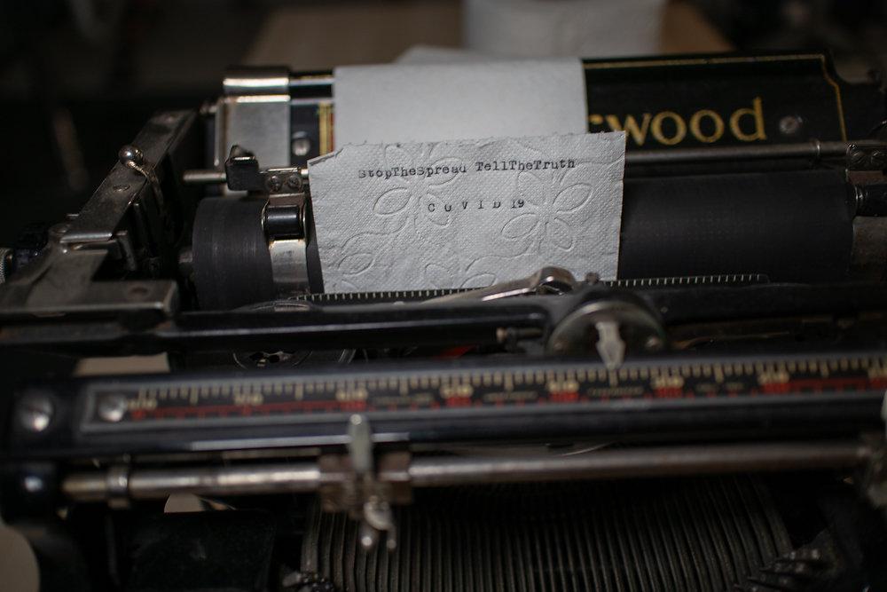 covid19-typwriter-toiletpaper-stopthespread-tellthetruth-markus-hofstaetter-ii.jpg